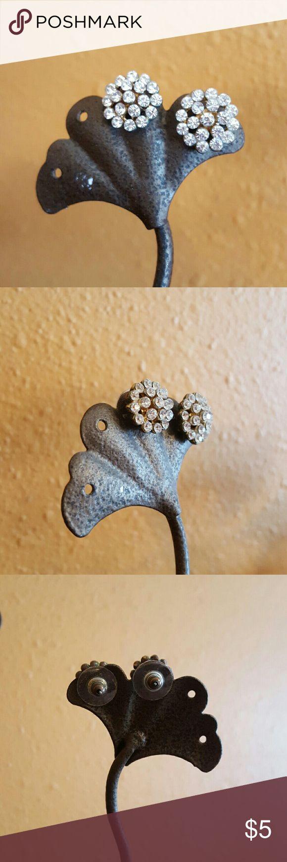 Diamond Flower Stud Earrings Super cute stud earrings! Jewelry Earrings