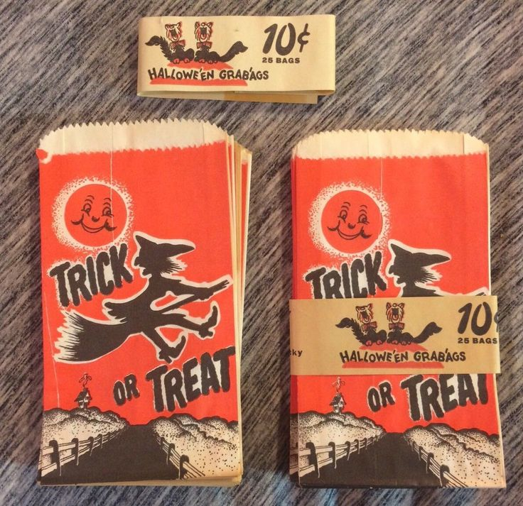 32 1940s / 50s TRICK OR TREAT PAPER bags 10 cents, Triangle brand ($47.50) 2017 #vintage #Halloween #collectibles #ephemera
