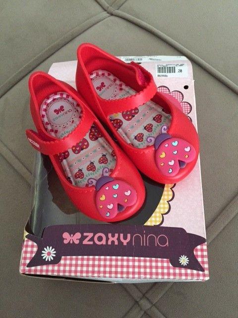 Sapatilha Zaxy tipo melissa, vermelha com detalhe em Joaninha, linda! Nunca usou porque ganhou e já não servia mais!!