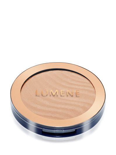 Spring 2016 Trend Report: New York City Spring Glow. Get the look with #Lumene Arctic Sun Bronzers. #makeup #spring #trends