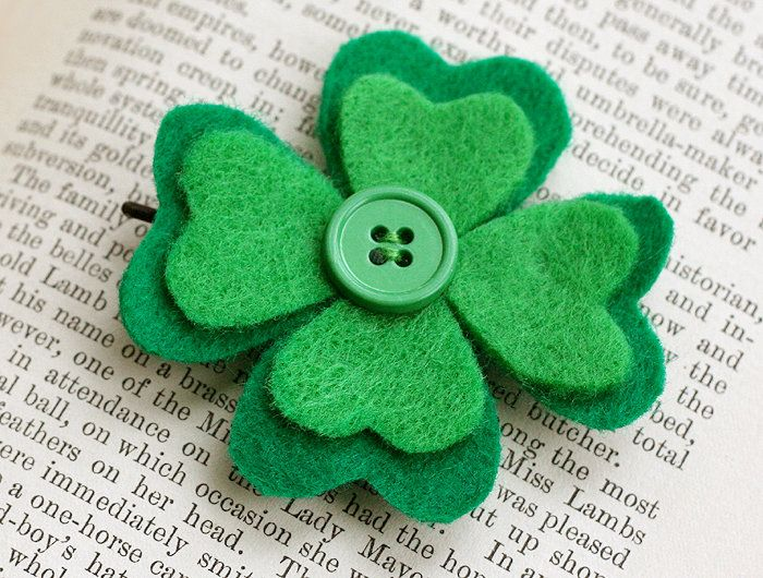 Make these pins for VFW Auxiliary to wear at the St. Patrick Day Dinner.  | #DIY #crafts