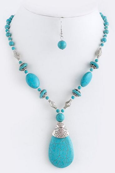 Fala: Stone Necklace w/Teardrop Focal
