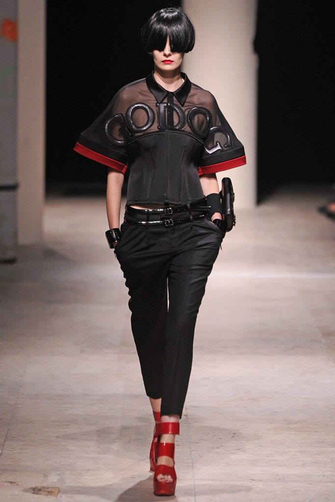 Undercover RTW Spring 2014 Photo by Giovanni Giannoni