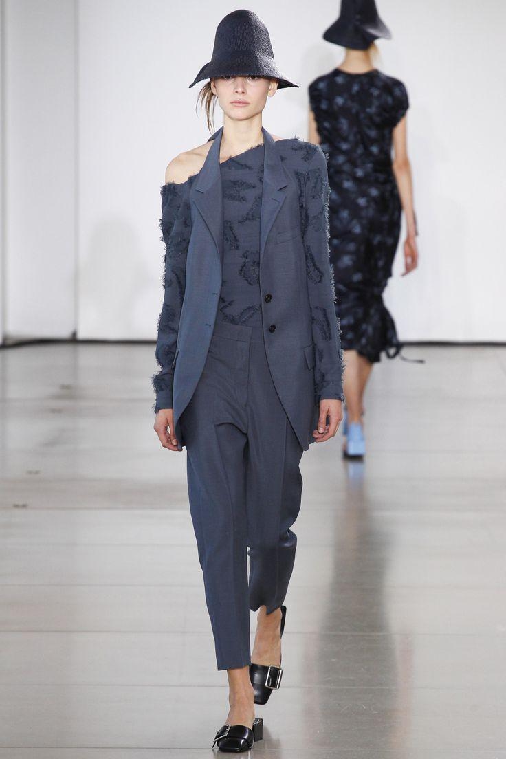 Jil Sander Spring 2016 Ready-to-Wear Fashion Show - Romy Schonberger