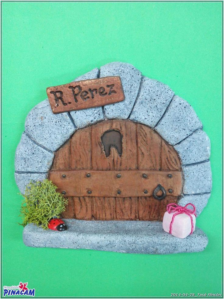 Puerta ratoncito Perez con pasta de modelar realizado por Tasé. #manualidades #pinacam #pastaporcelana   www.manualidadespinacam.com