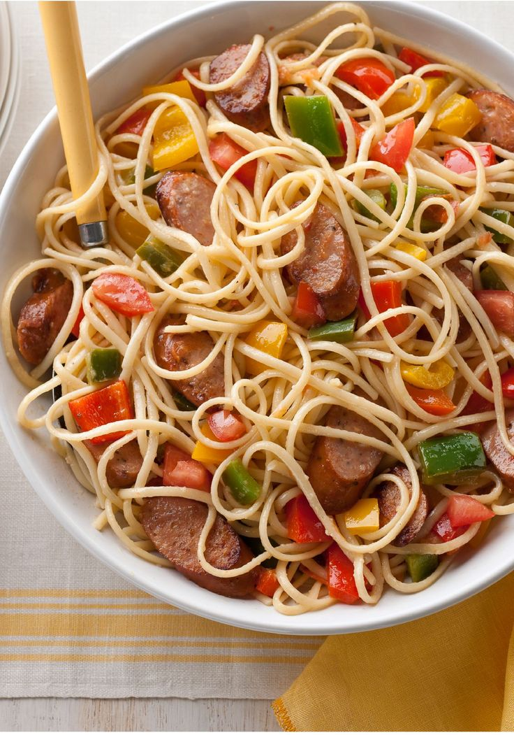 Chicken Sausage, Peppers & Tomatoes with Linguine – Grandma may not be ready to reveal her sausage-and-peppers recipe, so make this version instead—a simple, yet bold, twist on the classic pasta dish that's ready in under 30 minutes.