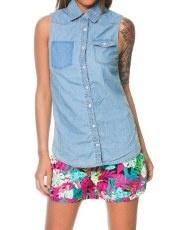 Terranovastyle.com - Camicia donna in denim, lavaggio blu chiaro. Modello smanicato con taschino