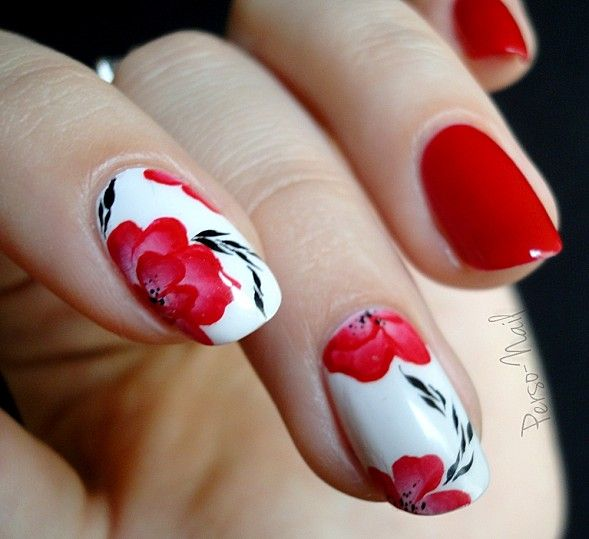 #NailArt Petites fleurs rouges - #vernis #manucure
