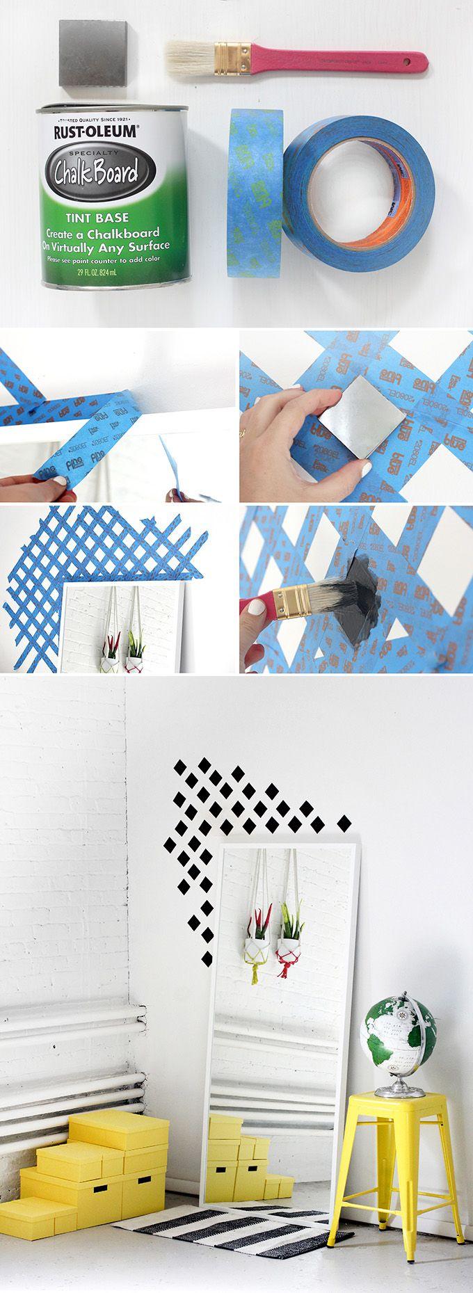 Uma parede com losangos para dar um charme, pode ser emoldurando um espelho, uma janela ou porta. Nesse caso foi usado tinta para quadro-negro, mas você pode usar tinta acrílica ou fosca, e várias cores também.