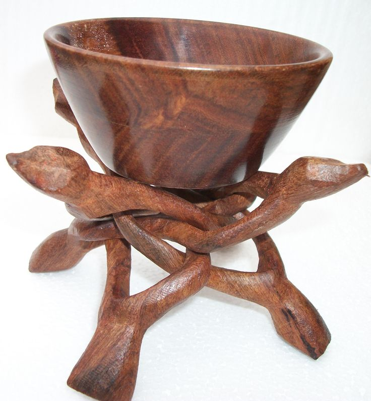 stand to display large bowl