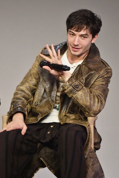 """Ezra Miller Photos Photos - Actor Ezra Miller attends the Apple Store Soho presentation of Meet the Cast: """"Fantastic Beasts And Where To Find Them"""" at Apple Store Soho on November 9, 2016 in New York City. - Apple Store Soho Presents Meet the Cast: 'Fantastic Beasts and Where to Find Them'"""