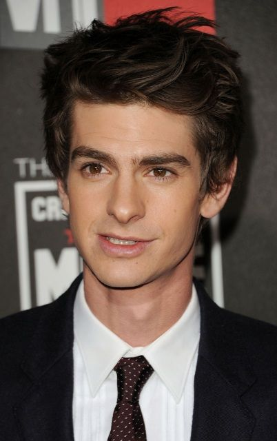 Andrew Garfield Age, Weight, Height, Measurements - http://www.celebritysizes.com/andrew-garfield-age-weight-height-measurements/