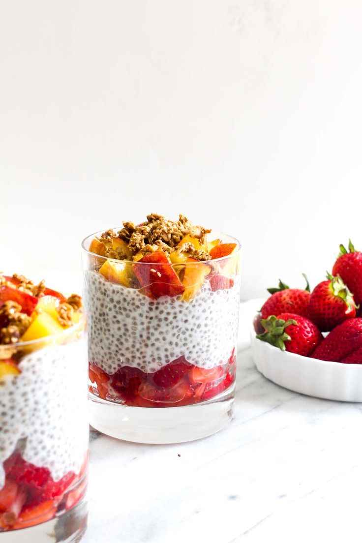 Strawberry Peach Chia Pudding is a 5 minute make ahead breakfast. This healthy recipe is dairy free and sweetened with natural ingredients.   CatchingSeeds.com