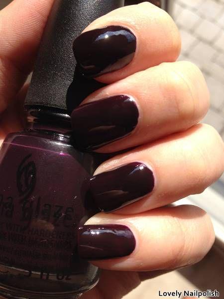 China Glaze Crimson | Herfst swatches: donker paarse nagellak