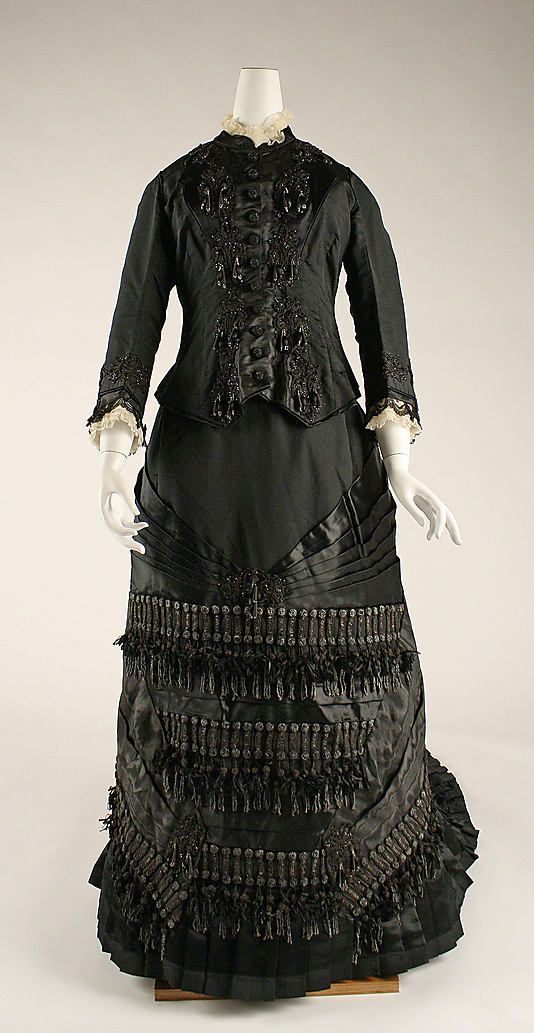 Mourning Dress 1880, French, Made of silk