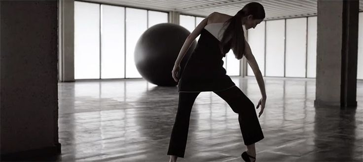 MOVEment -a project on dance and fashion   in the studio