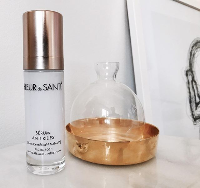 Skin re-texturizing anti-wrinkle serum. No to fine lines. Yes to smooth skin.