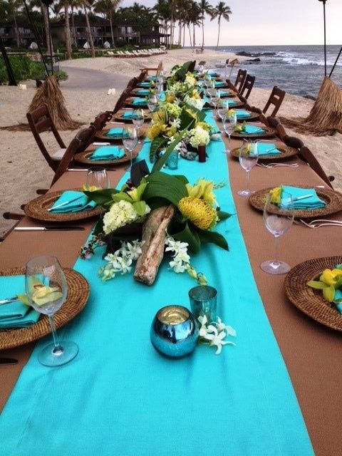 Would love to see a bridal party long table at your reception with driftwood yellow u0026 ivory flowers u0026 utilizing the big tropical greed leaves & 482 best Table Settings images on Pinterest | Table decorations ...