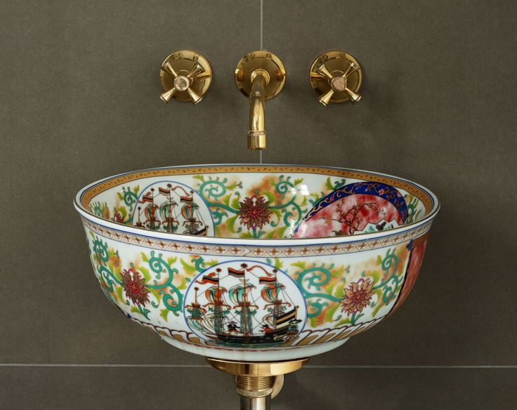 The Oriental trend has hit the catwalk and interiors are following suit, with a distinctly eastern flavour set to become a big decorating theme in the home.  The Clarabelle, shown here, from the London Basin Company epitomises contemporary Chinoiserie and is a clever way to add an on-trend touch to bathrooms or cloakrooms londonbasincompany.com