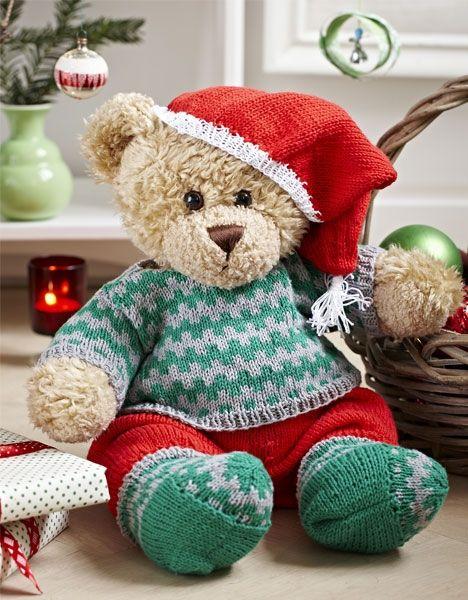 Grønt julesæt til drengebamse - Hendes Verden. Uuuhhh lige noget for min bamse den har nemlig kun en blå pyjamas på som sider på den hele tiden den er syet på