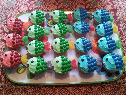 Cupcake Cakes: School o'Fish Comments | FamilyFun March 2011 | FamilyFun