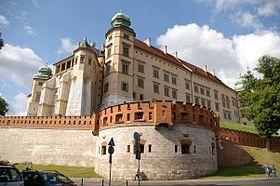 Le château du Wawel est un château situé à Cracovie en Pologne, sur la colline du Wawel. Henri III roi de Pologne