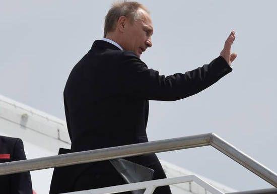 Poutine renvoie 755 diplomates américains : «Nous ne laissons aucun acte sans réponse»: La Russie a décidé de réduire… #Team237