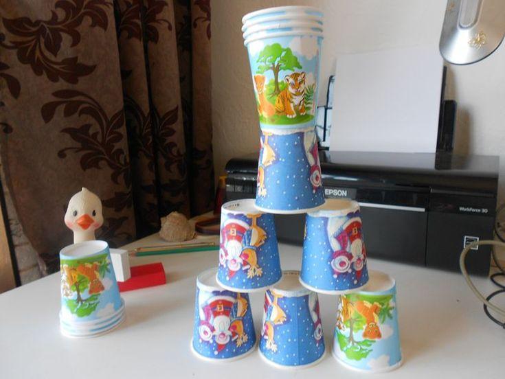 Веселые бумажные стаканчики