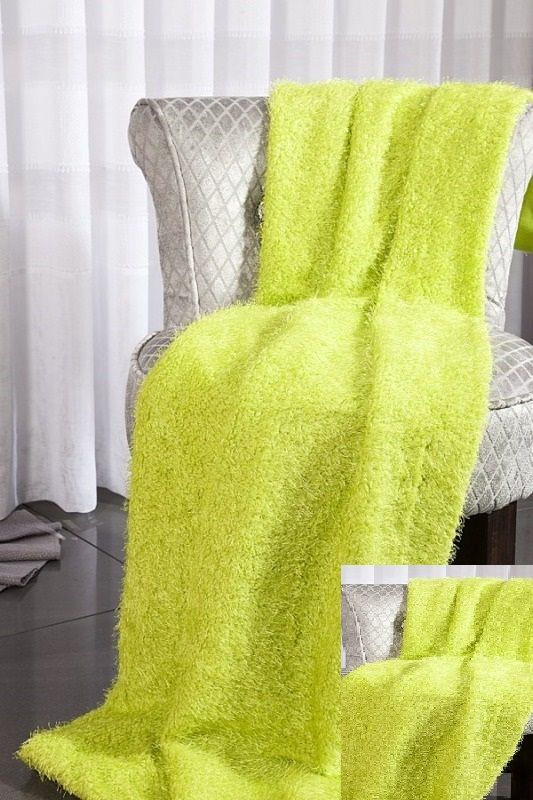 Narzuty włochate zielone na kanapę i fotel