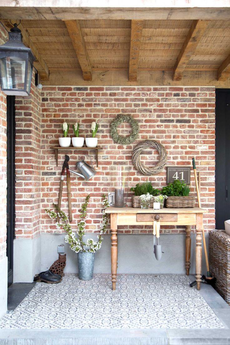 terras tafel kransen bakstenen cementtegels