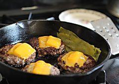 La sartén de hierro fundido es el extra que le falta a tu cocina