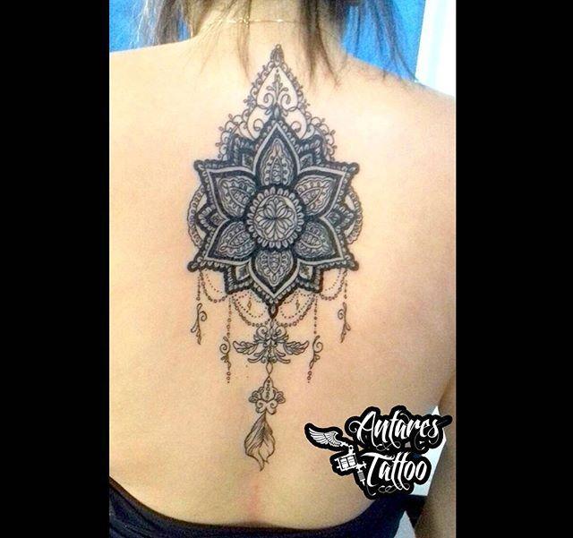 L1 Bom diaa seus lindxs ✌  Tattoo maneiruda que rolou esses dias 💉  Fiquei bem satisfeito com o resultado 👌  Curtiram?  Então vem com a gente!  Informações, agendamentos, orçamentos e criações via direct 📩  Ou nos visite no studio 🚩 Rua Rodolfo Lago n°12 - São Miguel Paulista  #Tattoo #Tatuagem #Tatuaje  #OrnamentalTattoo #BlackWork #FineLineArt #TattooStudio #TatuadoresSp #TatuadoresBrasil #FollowMe  #TattooSociety #InkedNation  #TattooDo #Tattoo2Me #InspirationTattoo #TattooMagazine…