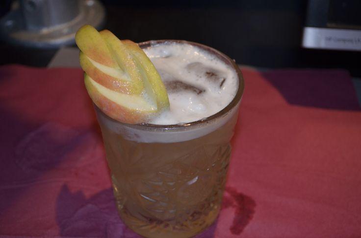 Bonden's Sour - Whiskey, apple juice, lemon juice, cinnamon syrup, angostura.