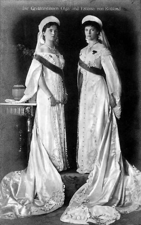 Grand Duchesses Olga and Tatiana Nikolaevna Romanova in court dress, 1913