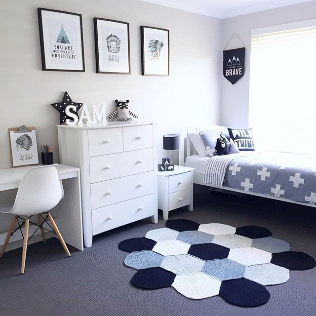 Best 20 kids room design ideas on pinterest for Blue and white boys room