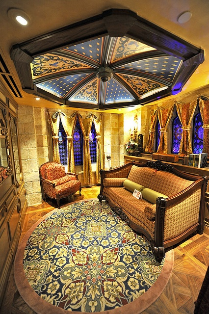 What a beautiful mixture of textures and prints; very regal looking. From the Cinderella Suite in the Magic Kingdom at Walt Disney World in Florida!