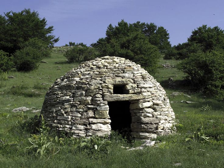 typical Shepherds Stone building  in Abruzzo (Italy)
