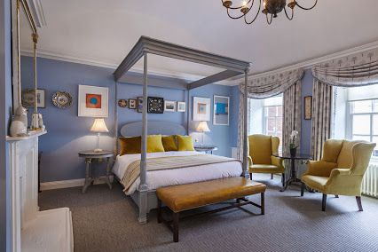 Norwich's most prestigious hotel, The Assembly House, now boasts our beautiful four posters in four recently refurbished rooms. Shown here is the Reeded four poster bed