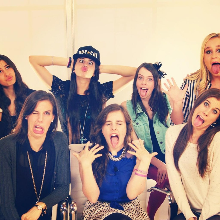 Cimorelli sisters!!! :D Lauren, Lisa, Dani, Katherine, Amy, and Christina!!!
