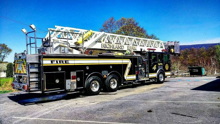 FEATURED POST @peacheycl - The beast passed the aerial test with flying colors. #highlandparkhose . ___Want to be featured? _____ Use #chiefmiller in your post ... http://ift.tt/2aftxS9 . CHECK OUT! Facebook- chiefmiller1 Periscope -chief_miller Tumblr- chief-miller Twitter - chief_miller YouTube- chief miller . #firetruck #firedepartment #fireman #firefighters #ems #kcco #brotherhood #firefighting #paramedic #firehouse #rescue #firedept #workingfire #feuerwehr #brandweer #pompier #me...