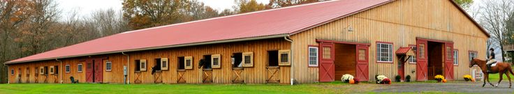 La Luna Farm is a top quality horse farm that offers boarding, training, lessons and sales for the beginner to the serious equestrian who would like to compete in the jumper, hunter, or equitation divisions.