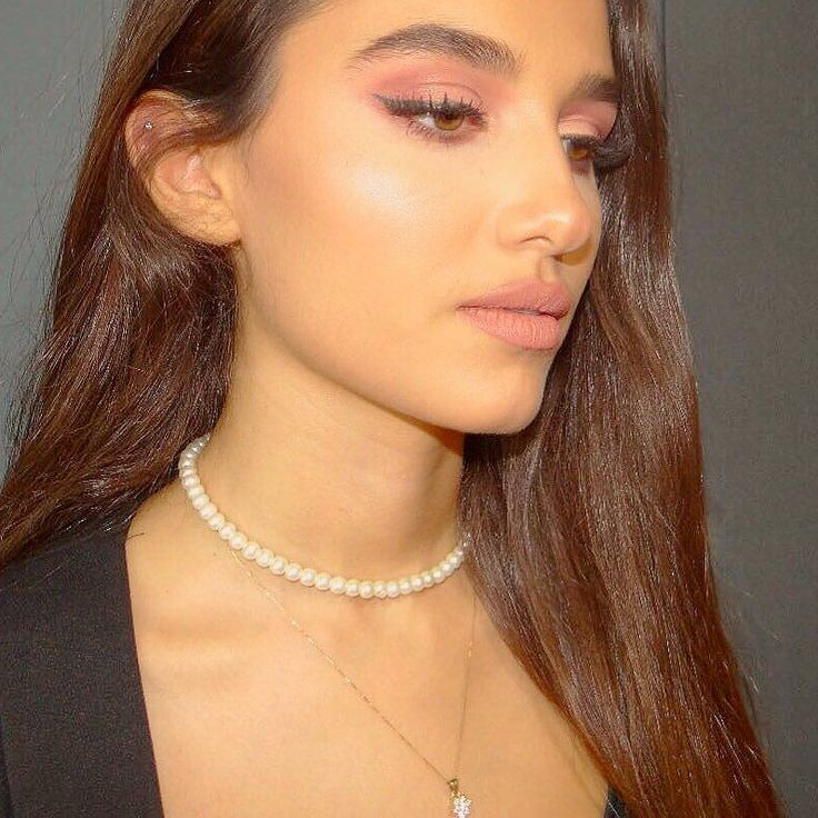 Pearl choker is the classiest most simple piece of accessory you can wearto place your order contact us on 0797634343