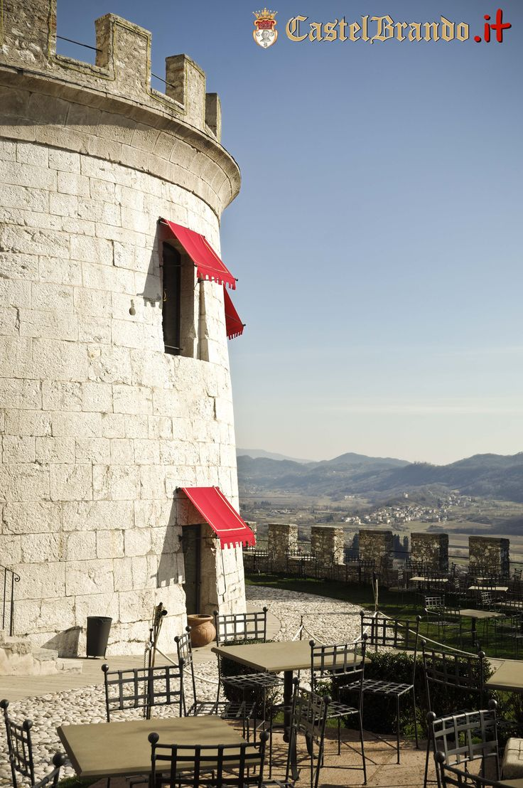 The sun warms up the towers of #CastelBrando...