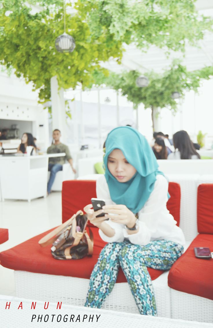 photography by me (umaimah lathifah hanun) at nicole's kitchen & lounge. model : dina sudiyanti