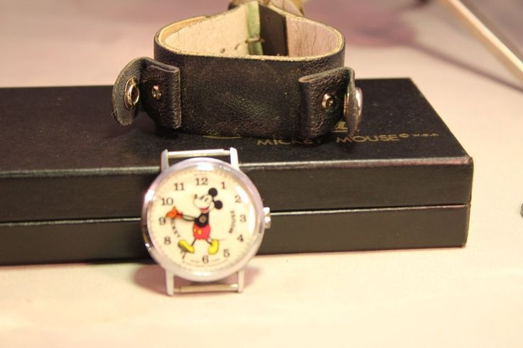 The Most Collectable Bradley Time Pie Eye Mickey Mouse Watch 1970s With Case #Lorus #CartoonIdol