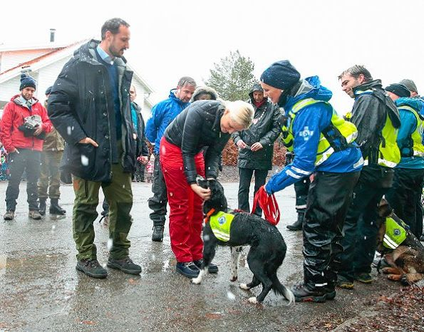In connection with the Norwegian Rescue Dogs 60th Anniversary, Crown Prince Haakon and Crown Princess Mette-Marit of Norway visited the Norwegian Rescue Dogs (Norske Redningshunder) at the Ås-Nordre Aker on January 11, 2017 in Oslo.