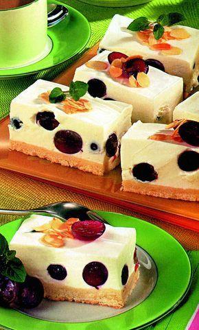 Prăjitură cremoasă cu struguri