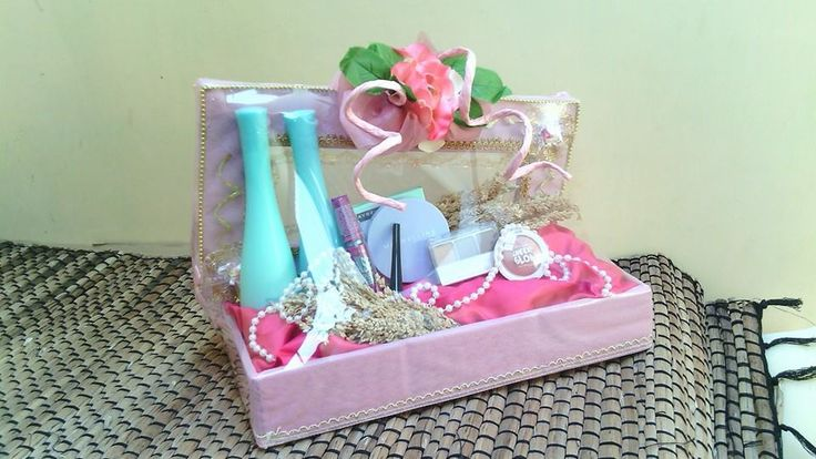 HantaranAlat Make Up Tema Pink Minat PM. PIN BB : 32164FF2 SMS/WA : 085764323306