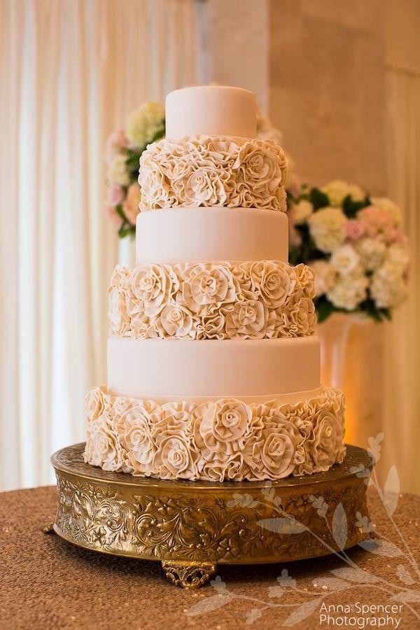 Ivory Roses wedding cake