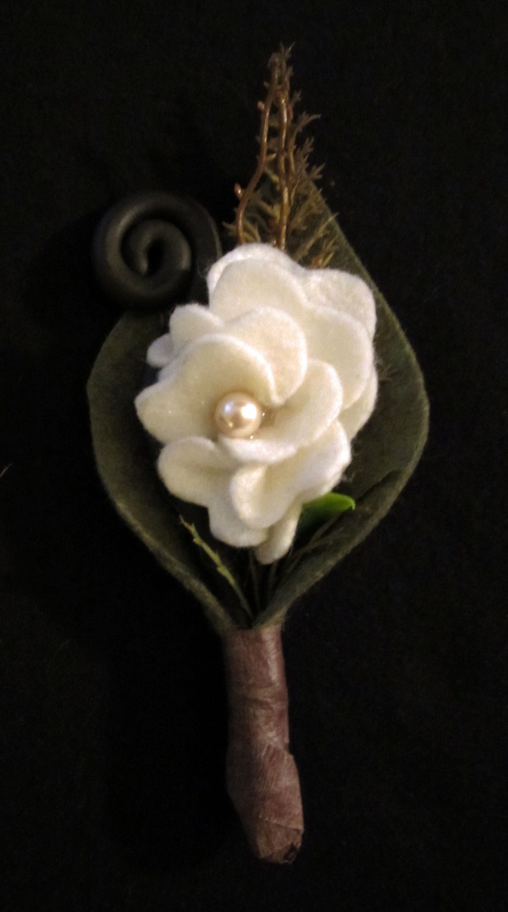 John's Boutonniere (made a total of 6). Flower and leaf made with felt, fiddlehead fern made from sculpey clay. Pearl in the middle is same as I am using for my necklace.